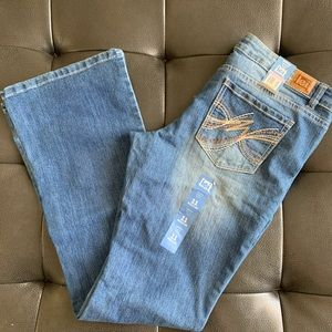 NWT lei Jeans Lowrise Bootcut